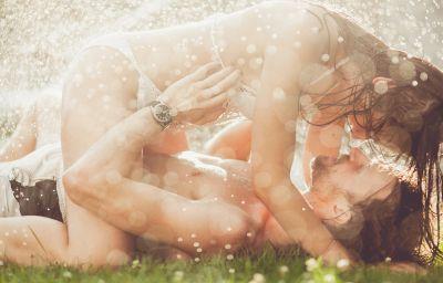 outdoor-sex
